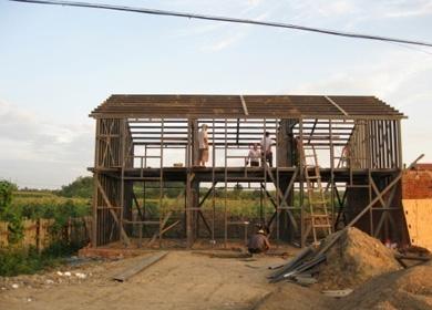 农村新型轻钢-秸秆草砖低碳住宅  The new low-carbon dwelling built with light-weight steel structures and straw bales in rural areas