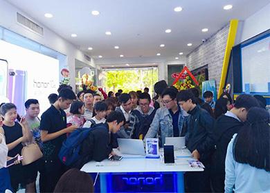 直击|荣耀在东南亚布局提速 越南建首家官方体验店